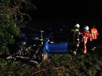 Drei Verletzte bei Autounfall