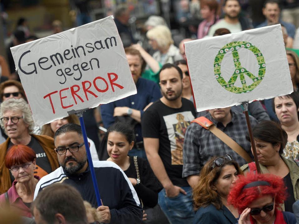 Friedensmarsch  | Foto: dpa
