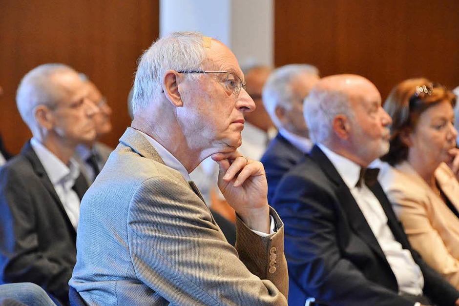 Preisträger, Jurymitglieder und viele Gäste haben sich im Freiburger Konzerthaus bei der Verleihung des Dahrendorf-Preises 2017 versammelt. (Foto: Michael Bamberger)