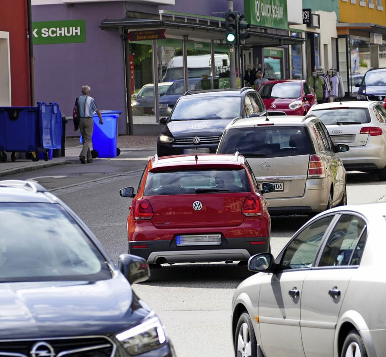 """Bei der """"Rush Hour"""" in der...rch Emissionen aus dem Straßenverkehr.    Foto: Stefan Limberger-Andris"""