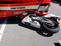 Motorrad prallt mit Bus zusammen – 54-Jähriger stirbt an der Unfallstelle