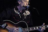 Jeff Stephenson mit Electric-Folk, Rock und Blues in Efringen-Kirchen