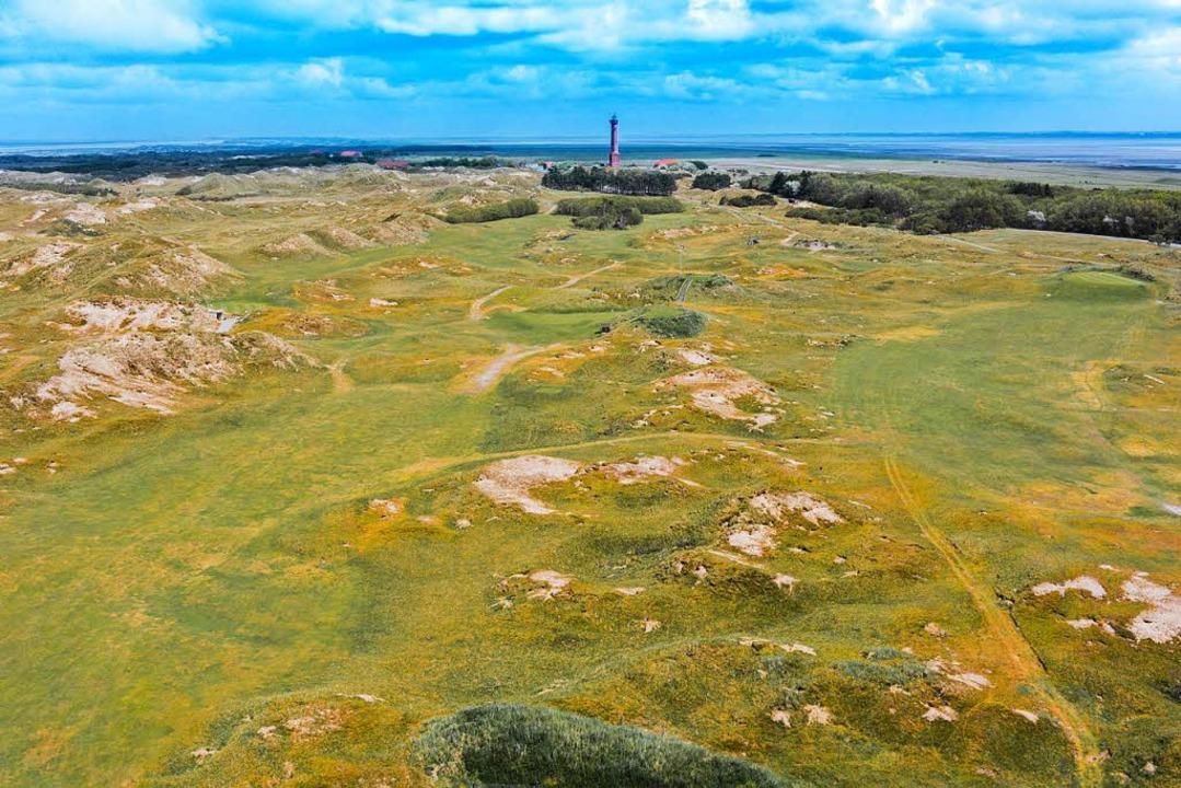 Richtmarke auf Norderney: der Leuchtturm   | Foto: dpa