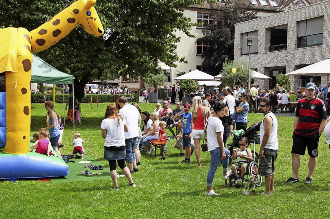 Zwei Tage wird beim Sommerfest gefeiert - Kollektive - Badische Zeitung