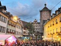 Der Oberlindenhock in Freiburg beginnt