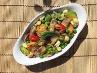 Leichtes Essen für den Sommer: ein Matjes-Gemüse-Kartoffel-Salat