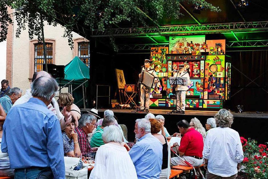 Impressionen vom Orgelfest: Abendstimmung vor dem Elztalmuseum. (Foto: Gabriele Zahn)