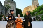 """Fotos: Burgfestspiele Rötteln mit """"Ein idealer Gatte"""" von Oskar Wilde"""