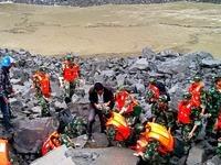 Erdrutsch begräbt Dorf in Südwestchina