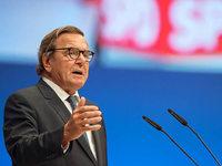 Altkanzler Schröder macht Schulz und der SPD Mut