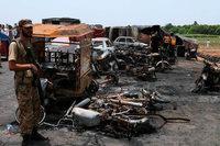 Bei Explosion eines Tanklasters sterben mehr als 150 Menschen