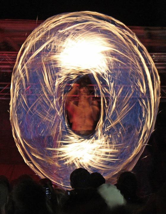 Die fantastische Feuershow begeisterte die Gäste.  | Foto: Dorothée Kuhlmann