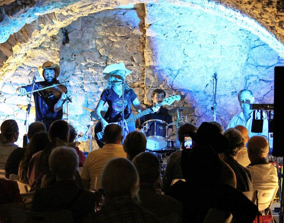 "Honky Tonk plus Rockabilly ergibt bei ...arsons Band ""Tonkabilly"".   | Foto: klabund"