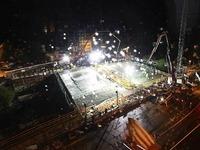 Video: Bauarbeiter betonieren die neue Kronenbrücke