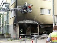 Brennende Mülltonnen beschädigen Haus in Lörrach