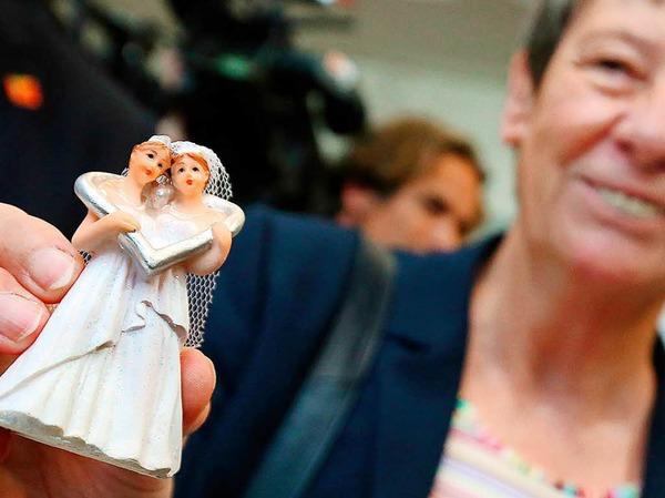 Abgeordnete und Zuschauer im Bundestag feierten die Entscheidung für die Ehe für alle.