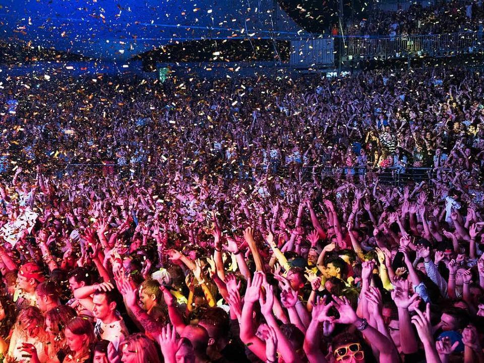 Tausende Menschen werden in diesem Sommer wieder ihre liebsten Künstler feiern.  | Foto: Foire aux Vins