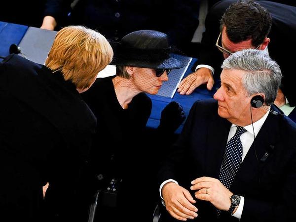 Bundeskanzlerin Angela Merkel (l-r, CDU), die Witwe Maike Kohl-Richter und EU-Parlamentspräsident Antonio Tadjani