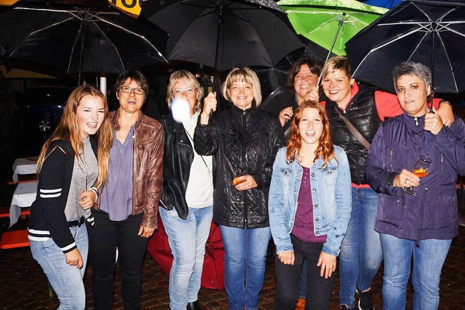 Das Wetter war schlecht, die Stimmung gut: In Todtnau war beim Städtlifest und beim Bergsprint die ganze Stadt auf den Beinen. (Foto: Verena Wehrle)