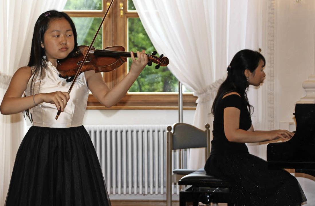 Elizabeth Aoki ist mit ihren 14 Jahren...lz mit ihr zu einer perfekten Einheit.  | Foto: Margrit Matyscak
