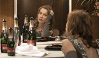 """Isabelle Huppert brilliert in """"Ein Chanson für Dich"""" als einstiges Schlagersternchen"""