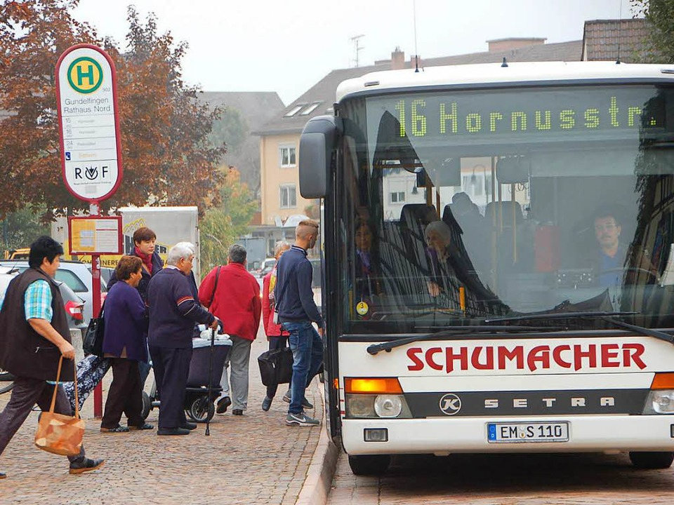 Die Buslinie 16 verbindet Freiburg und Gundelfingen.  | Foto: Frank Kiefer
