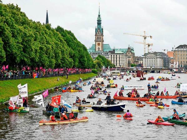 """Tausende Menschen nehmen an der """"Protestwelle"""" teil"""