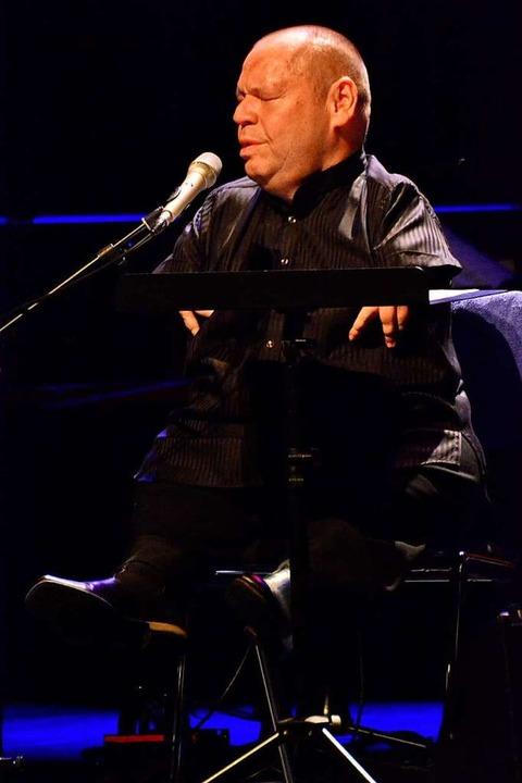 Ganz in der Musik versunken: Thomas Quasthoff  | Foto: Barbara Ruda