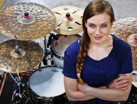 Schlagzeugerin Anika Nilles in Staufen