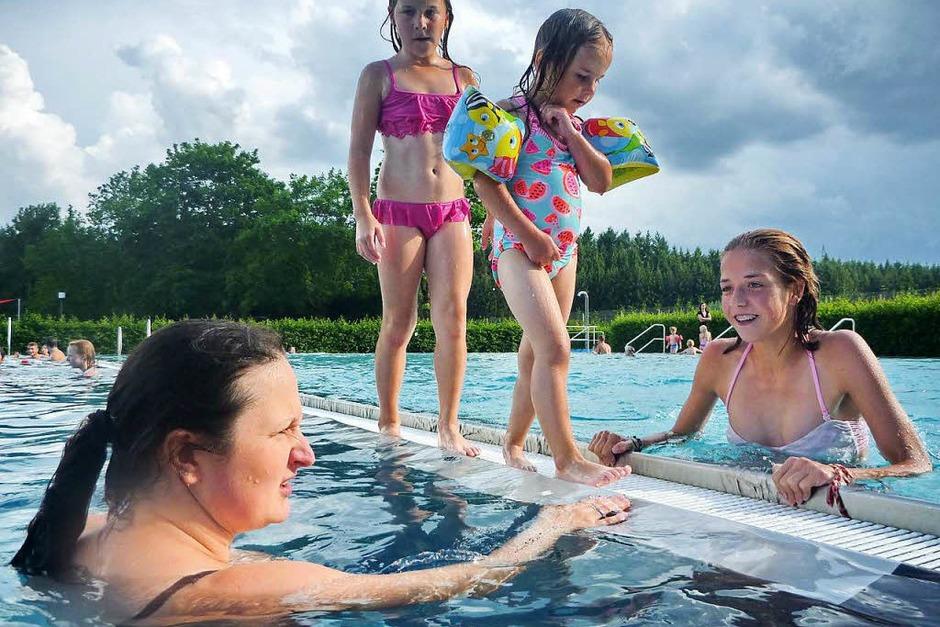 Zu einem Fest für alle Generationen und Temperamente geriet das Fest am Löffinger Schwimmbecken. (Foto: Philippe Thines)