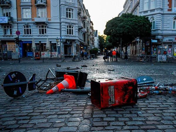 Nach den Krawallen zum G-20-Gipfel sind die Straßen verwüstet
