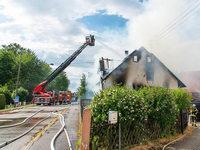 Passant rettet zwei Kinder aus brennendem Haus in Kappel