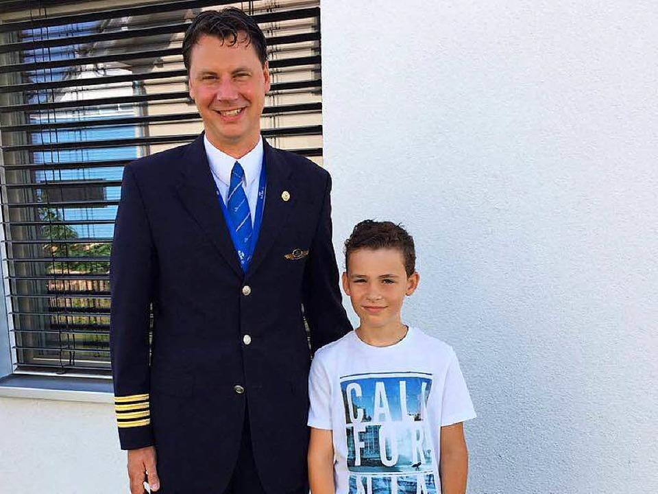KLM-Pilot Koen Meurs und Zisch-Reporter Lucas Puglisi  | Foto: Privat