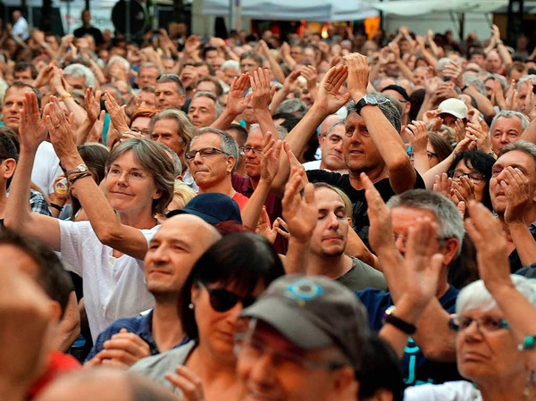 Status Quo rockten beim Sommersound-Festival den Schopfheimer Marktplatz. Vorgruppe war One Way Train aus Teningen.