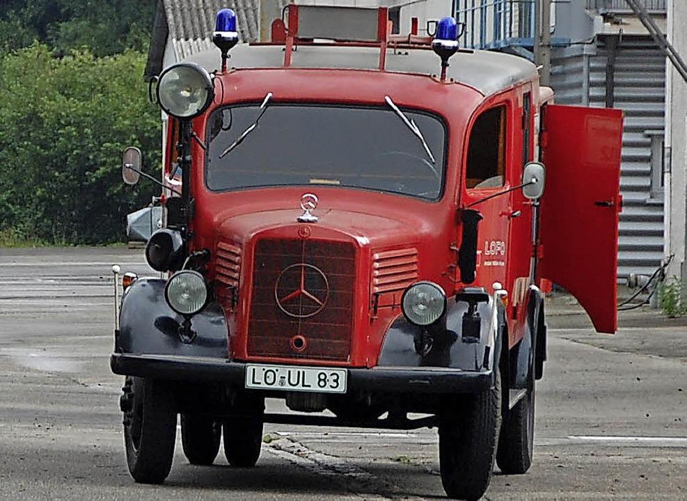 Der Oldtimer gehört nun dem Feuerwehrtraditionsverein.   | Foto: Frey