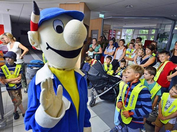 Hautnah bei Freiburgs Straßenbahnen: VAG-Kinderführung mit B. Zetti