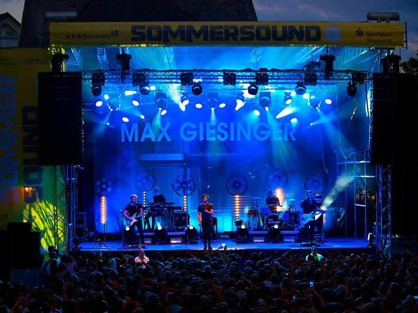 """Eindrücke vom Sommersound-Konzertabend am Freitag mit """"Lotte"""" und Max Giesinger."""