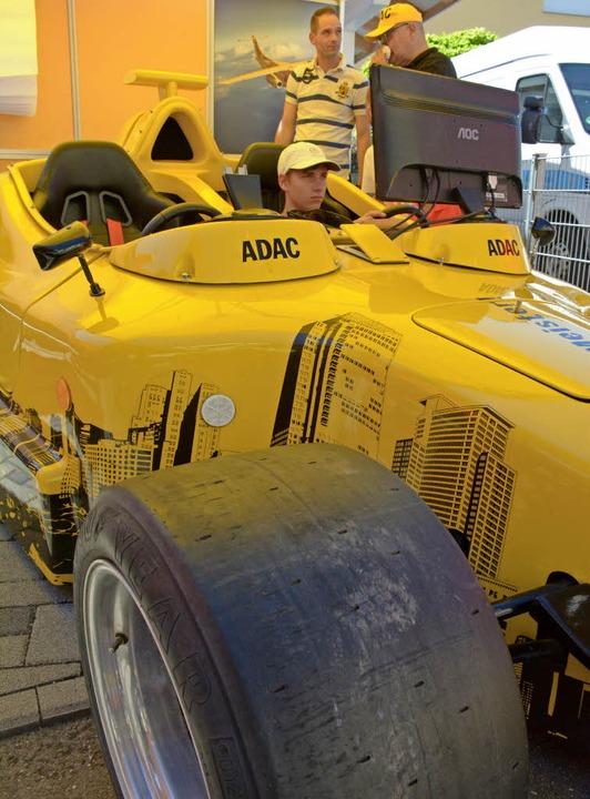 Rennsimulator im Rennwagen  | Foto: Hannes Lauber