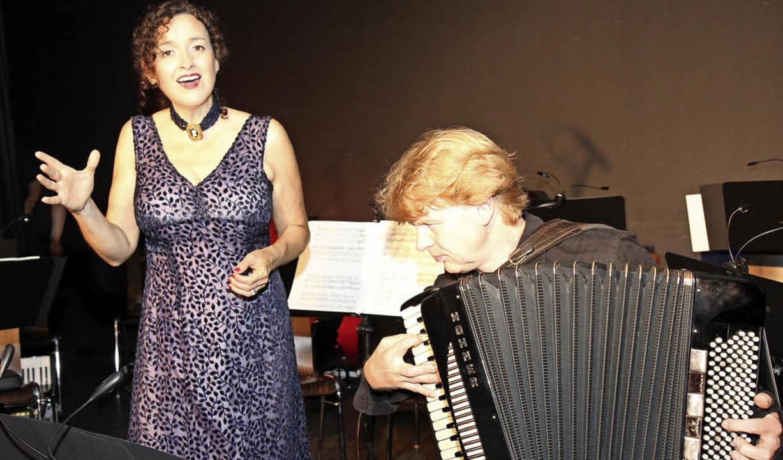 Sängerin Josefina E. Aymonino beim Tangokonzert.   | Foto: Dagmar Barber