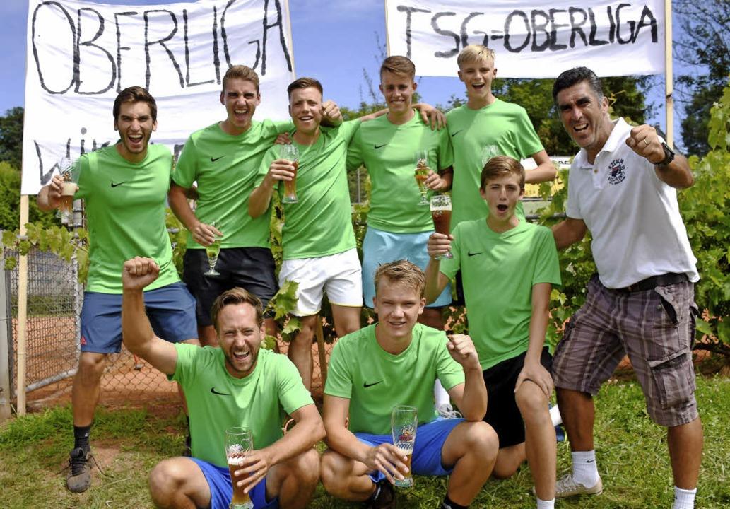 Die Tennisspieler der TSG Lahr/Emmendi... Trenkle und Trainer Hernan Valenzuela  | Foto: Sebastian Köhli