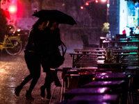 Hohentwielfestival bei Singen wegen Gewitters abgebrochen