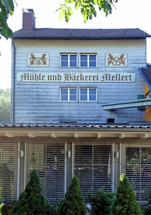 Der Mühle und Bäckerei Mellert ist seit 2014 ein Café vorgebaut.    Foto: Jürgen Schneider