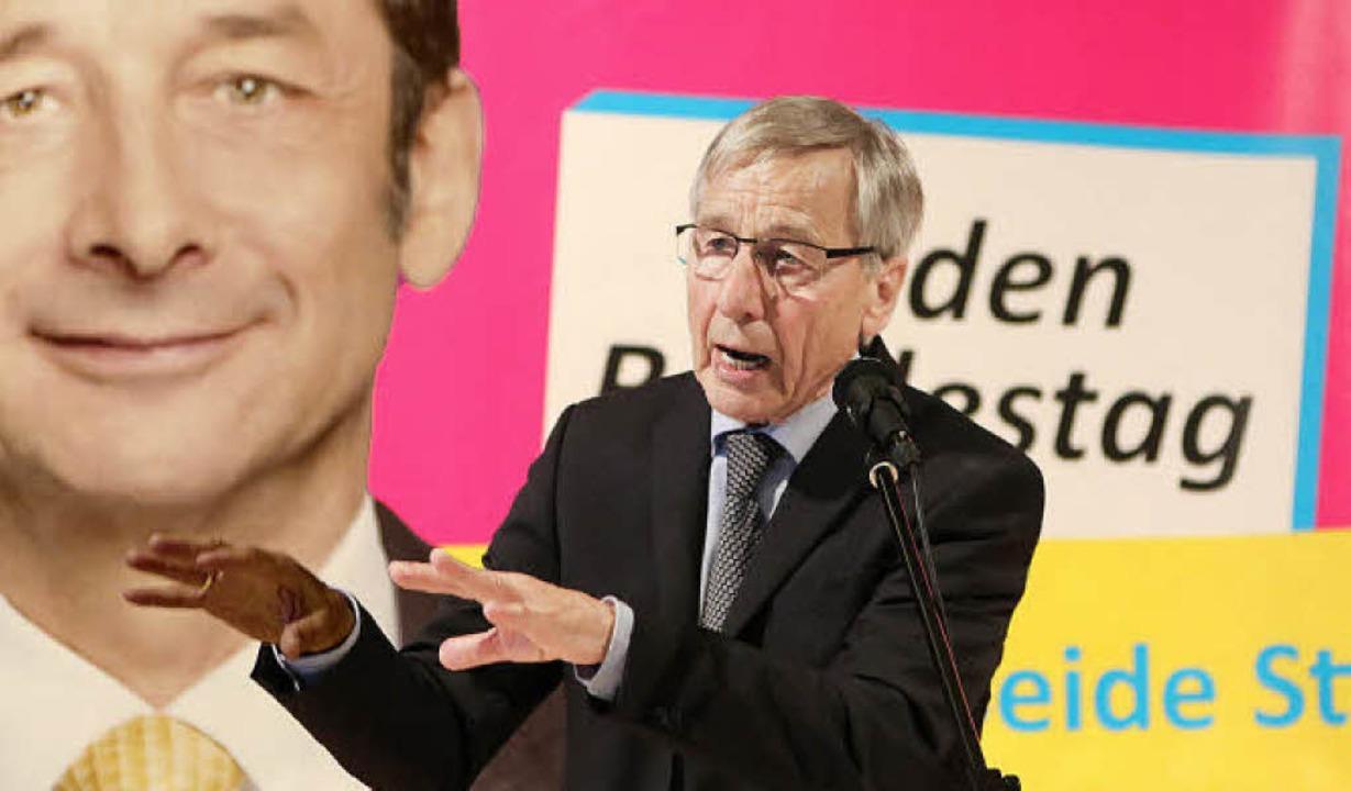 Wolfgang Clement als Wahlkämpfer für die Liberalen in Lörrach-Haagen   | Foto: Katharina bartsch