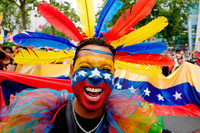 Hunderttausende feiern den Berliner CSD