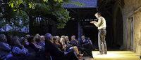 Gestartet als privates Kulturprojekt geht das Theater im Hof in die 25. Spielzeit