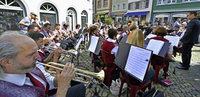 17 Blasorchester musizierten am Samstag in der Innenstadt