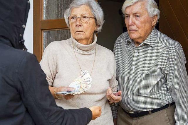 Abzocke von älteren Menschen nimmt zu – Polizei reagiert
