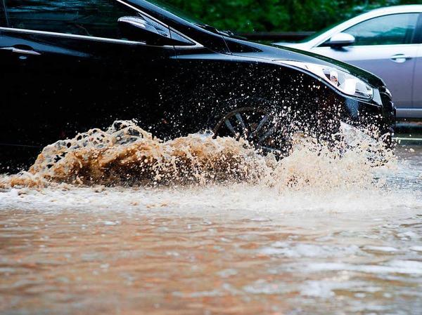 In den von Überschwemmungen betroffenen Landkreisen Holzminden und Hameln-Pyrmont war die Lage stabil.
