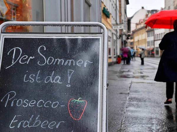 Der Mittwoch bringt in Niedersachsen und Thüringen weiteren Regen, wie der Deutsche Wetterdienst am Morgen mitteilte.