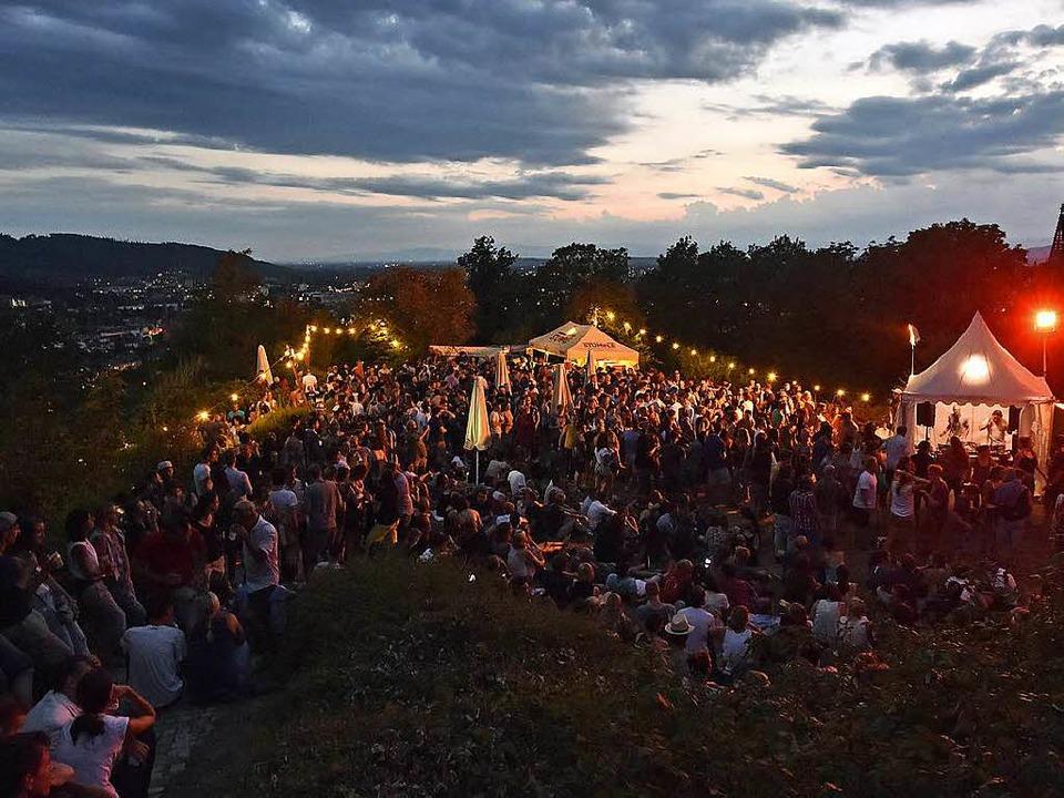 Lichter, Musik und der Ausblick über d... Schlossbergfests aus (Foto von 2016).  | Foto: Michael Bamberger